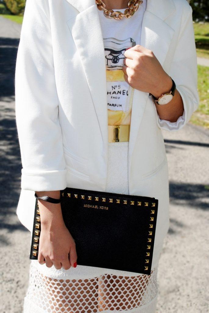 biały blazer