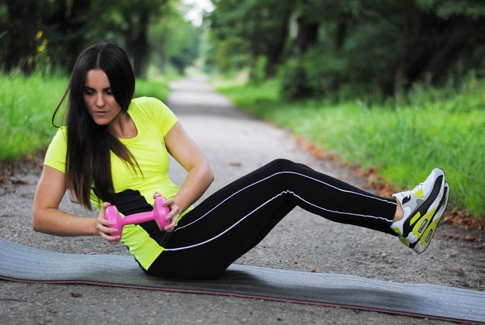 jak ćwiczyć brzuch